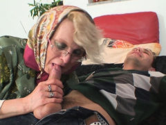 60 ripen mom spreads toes be fitting of him