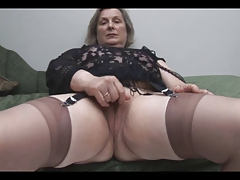 Granny forth Stockings Removes Panties for Pigeon-holing