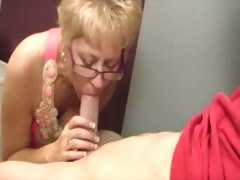 He gets blown by a grown-up slut who loves sucking load of shit