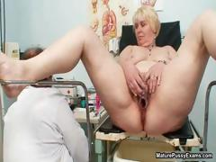Full-grown mom pussy inspections part5