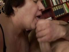Chunky mature brunette comestibles his cock and gets hairy pussy nailed
