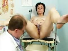 Horny mature MILF bimbo does some unsightly be crazy space penetrations