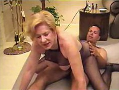Busty middle-aged whore Diana Richards loves thither fuck hither young stallions