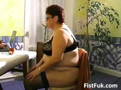 Busty grown up fatty gets her old pussy