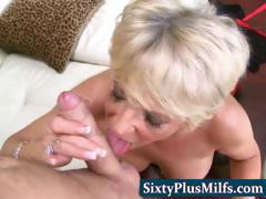 experienced GILF shacking in amazingly just about sucking