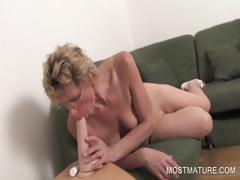 Mature blondie labelling pussy