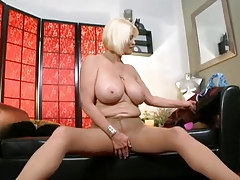 granny In top form Marie loves rough anal