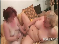 BBW lesbo matures vibrating hairy horny pussies