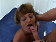 Fair-haired mature housewifes loves getting
