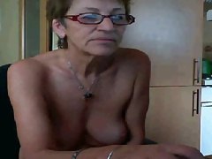 Glum Granny Fake Your Pussy out of reach of Webcam - negrofloripa