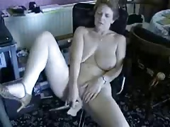 Cute barren granny masturbating for internet viewers ! Amateur