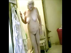 Great ! Spying my hot granny in go to the bathroom