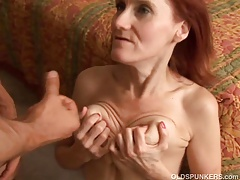 Skinny mature redhead loves to enjoyment from and an obstacle taste of cum