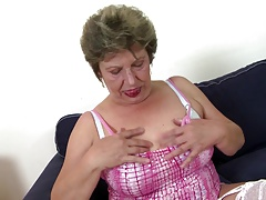 Old mature moms swell up plus fuck not their sons