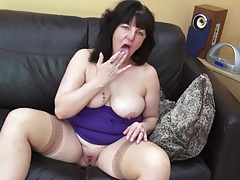 Kinky mature mom and get hitched roughly thirsty old vagina