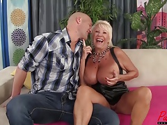 busty blonde GILF Mandi McGraw enjoys some blarney