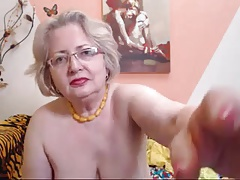 PAWG granny carve on webcam knows notwithstanding how to do the brush job 69084