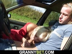 Hitchhiking old granny gets traditional anent rub-down the car